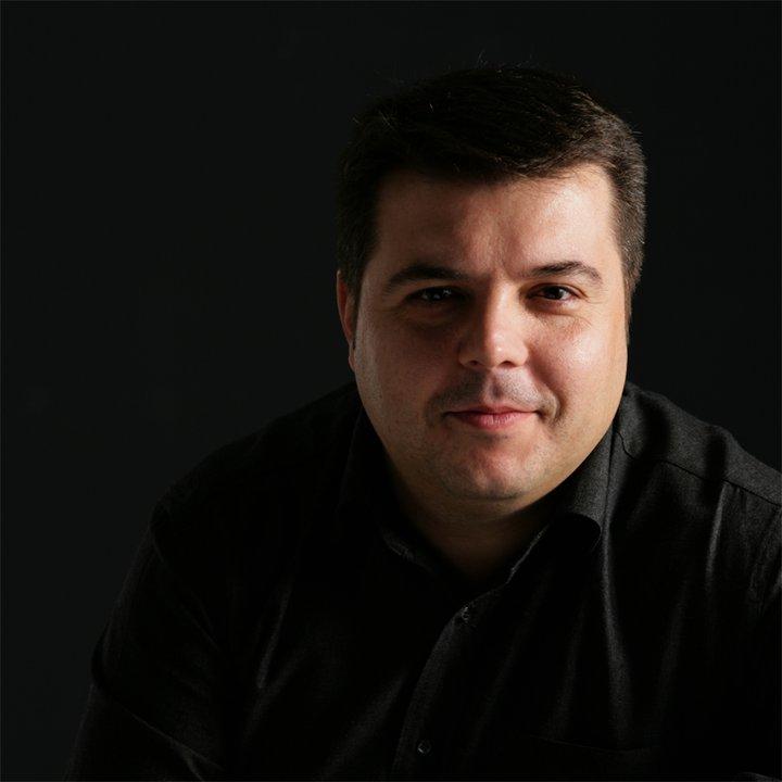 """""""Muebles Cortijo presenta la serie Ixo, compuesta por silla, taburete y bancada, del diseñador Andreu Belenguer."""" Serie Ixo, diseño de Andreu Belenguer Belenguer"""