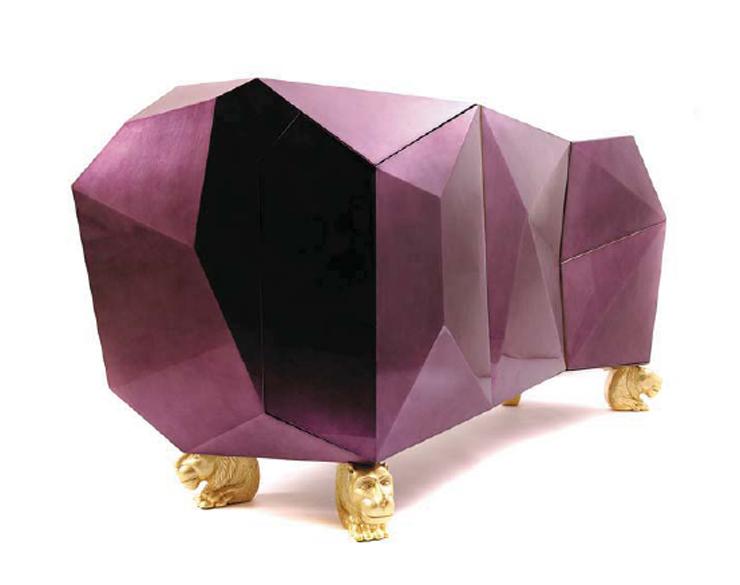 """""""Diamond perteneciente a la colección Edición limitada de la Firma Boca do Lobo y combina técnicas artesanales con diseño contemporáneo.""""  Diamond, obra de arte contemporánea Diamond2"""