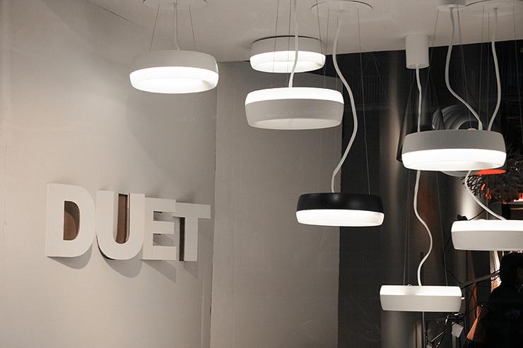 """""""Duet, de la firma Lamp diseñada por Jordi Ribaudí y Jordi Masvidal es una luminaria decorativa, versátil y capaz de crear ambientes con personalidad.""""  Lámpara Duet, diseño orgánico Foto 111"""