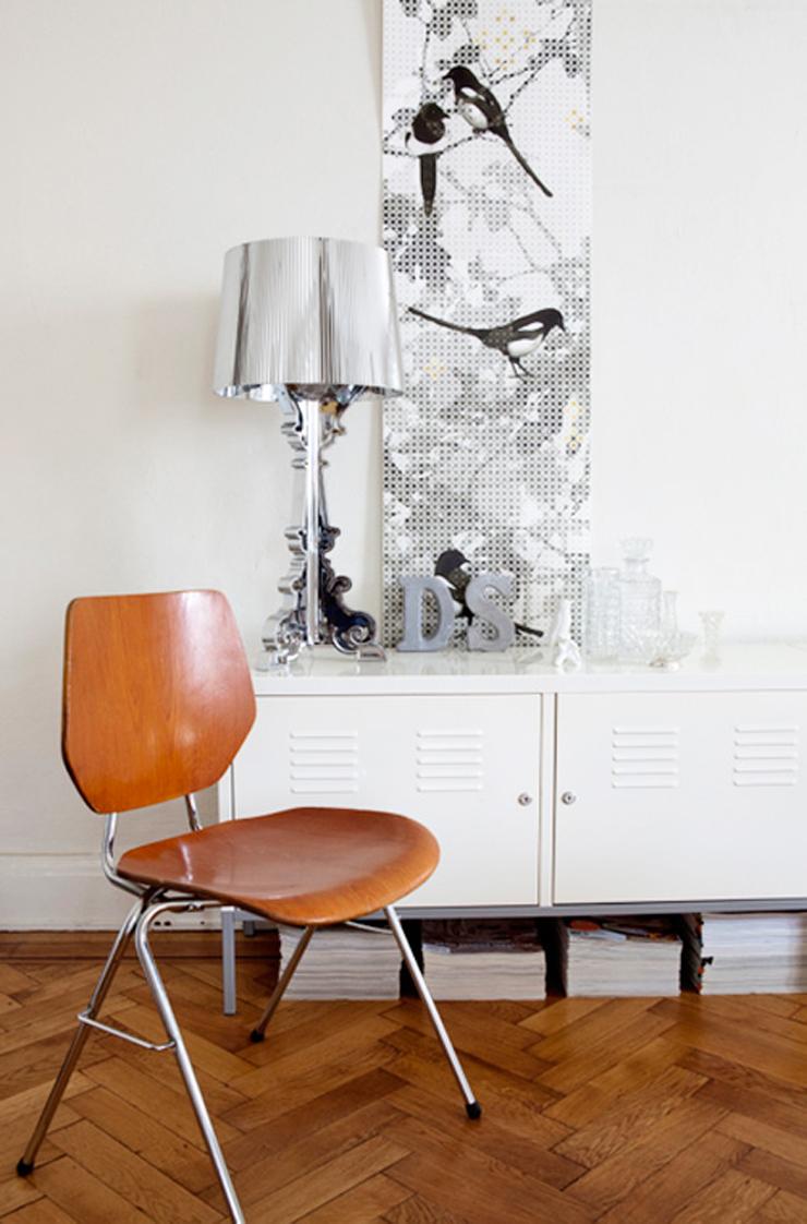 """""""Bourgie, una lámpara de policarbonato de estilo inconfundible y un éxito de ventas verdadero y propio de Kartell, conjuga la tradición clásica barroca."""" Bourgie, lámpara de estilo barroco Foto 2"""