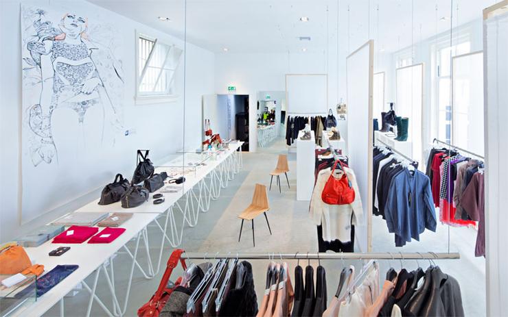 """""""En el centro histórico de Ámsterdam, la marca holandesa Droog ha abierto un nuevo hotel que ofrecerá a los amantes del diseño una experiencia única e inolvidable.""""  Hotel Droog, Ámsterdam Foto 219"""