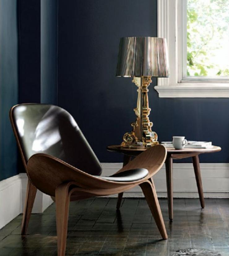 """""""Bourgie, una lámpara de policarbonato de estilo inconfundible y un éxito de ventas verdadero y propio de Kartell, conjuga la tradición clásica barroca."""" Bourgie, lámpara de estilo barroco Foto 3"""