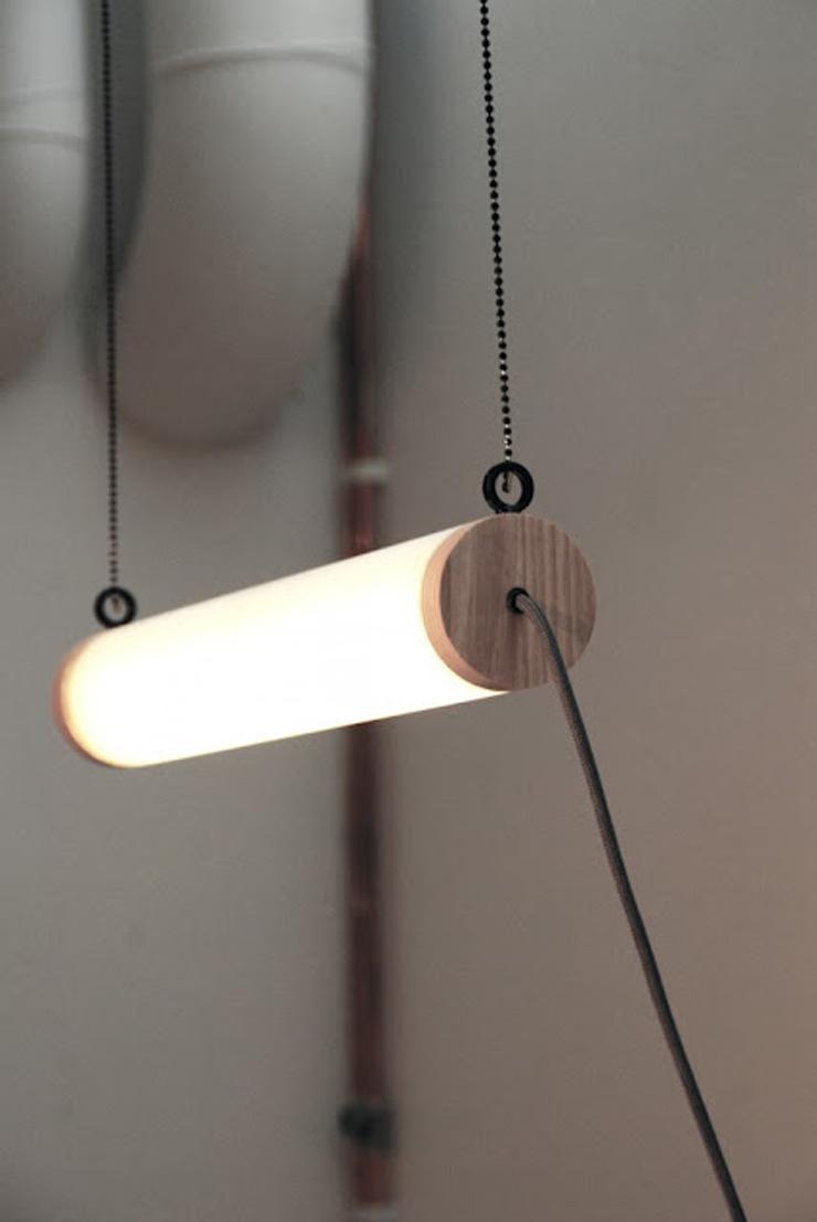 """""""La estación de trabajo Unplugged, creada por el diseñador Eddi Törnberg, busca y examina la posibilidad de trasladar el diseño y la producción de energía sostenible.""""  Eddi Törnberg, Escritorio Unplugged Foto 320"""