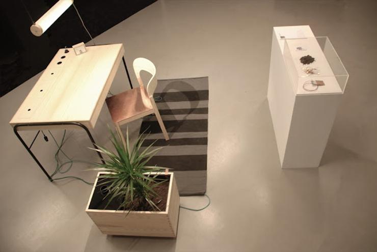 """""""La estación de trabajo Unplugged, creada por el diseñador Eddi Törnberg, busca y examina la posibilidad de trasladar el diseño y la producción de energía sostenible.""""  Eddi Törnberg, Escritorio Unplugged Foto 510"""