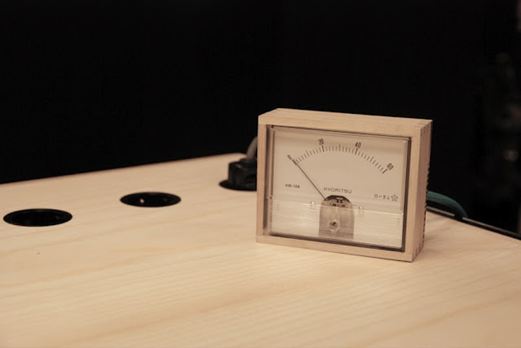 """""""La estación de trabajo Unplugged, creada por el diseñador Eddi Törnberg, busca y examina la posibilidad de trasladar el diseño y la producción de energía sostenible.""""  Eddi Törnberg, Escritorio Unplugged Foto 61"""