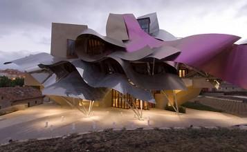 Hotel Marqués de Riscal, espectacularidad de formas Foto Feat 357x220
