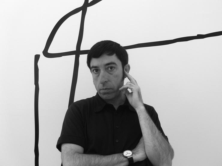 """""""Carlos Tíscar (1964), se graduó en la Escuela de Artes Aplicadas de Valencia (1982), en la especialidad de Diseño Industrial.""""  Entrevista con Carlos Tiscar Fogo"""