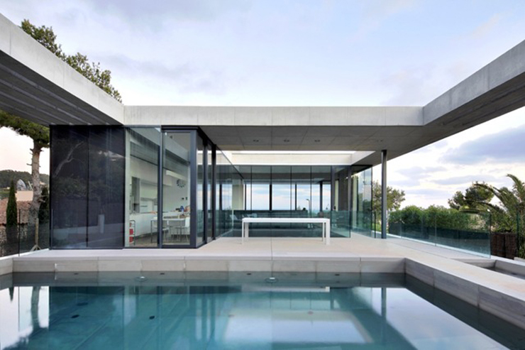 """""""Los arquitectos de SCT Estudio de Arquitectura, realizaron el diseño de arquitectura de esta moderna vivienda, ubicada en Costa d'en Blanes."""" Casa minimalista Casa minimalista, Costa d'en Blanes Foto 215"""