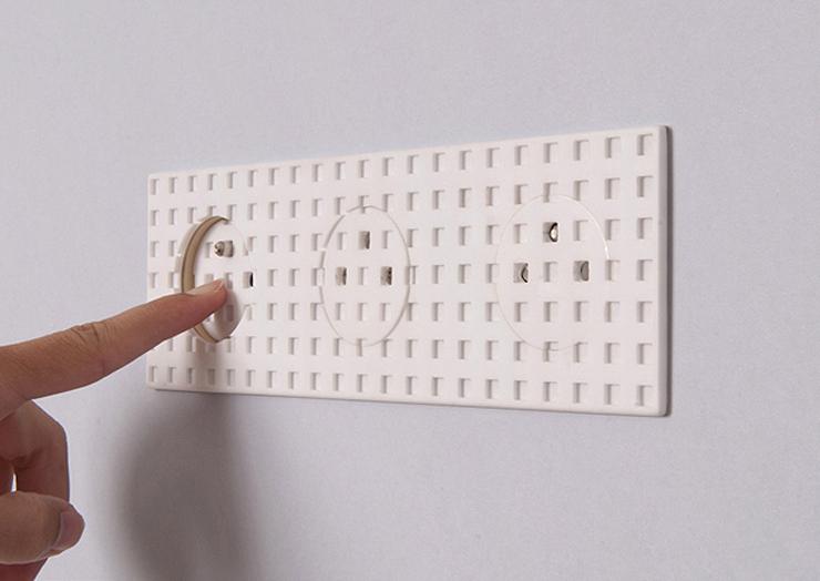 """""""La diseñadora industrial francesa, Inga Sempé, ha creado una serie de interruptores eléctricos para la marca Legrand, que se destaca por la producción de estos equipos eléctricos nunca de manera convencional.""""  Inga Sempé, Legrand  Foto 217"""