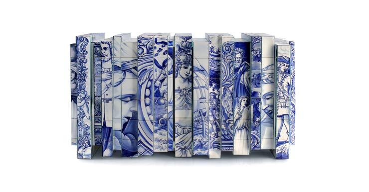 """""""Esta versión de aparador Heritage presenta un número de capas distintas, cada una con su propia historia. En las distintas capas se encuentran pinturas de diversos azulejos inspirados en diferentes períodos de la historia de Portugal.""""  Aparador alto de diseño original Foto 218"""