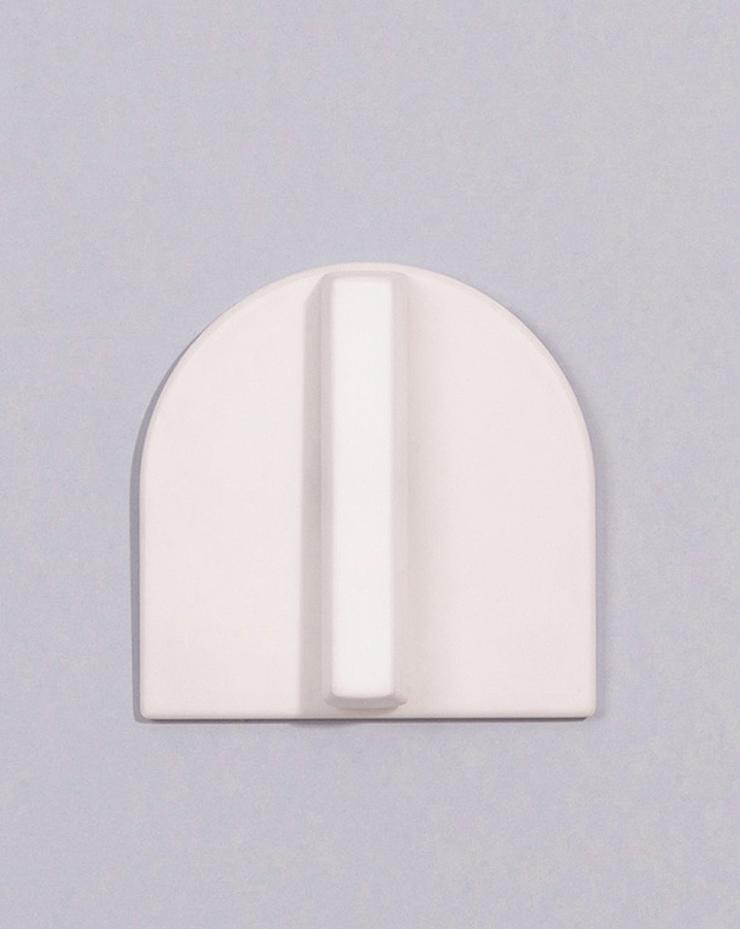 """""""La diseñadora industrial francesa, Inga Sempé, ha creado una serie de interruptores eléctricos para la marca Legrand, que se destaca por la producción de estos equipos eléctricos nunca de manera convencional.""""  Inga Sempé, Legrand  Foto 317"""