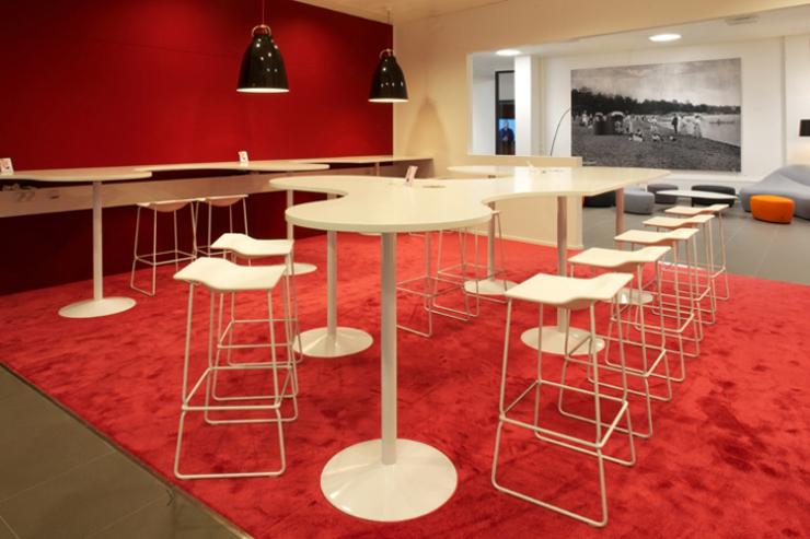 """""""La empresa valenciana Viccarbe. Uno de sus más recientes proyectos ha sido el espacio de descanso en las oficinas de Microsoft en Finlandia."""" Viccarbe, Oficinas de Microsoft Foto 321"""