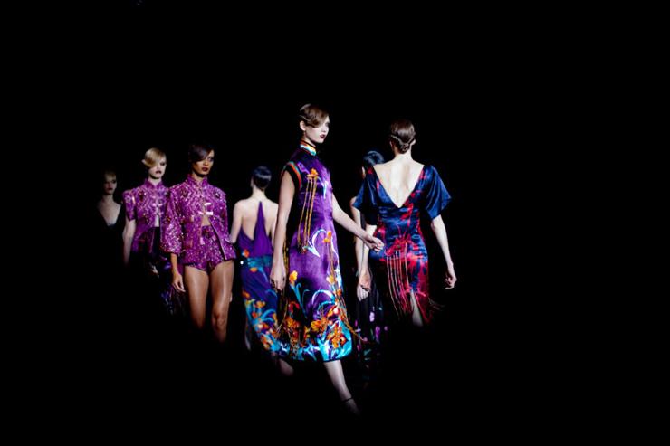 """""""Pocos diseñadores han sabido interpretar tan bien el espíritu de una marca como Marc Jacobs para Louis Vuitton.""""  Marc Jacobs, Louis Vuitton Foto 4"""