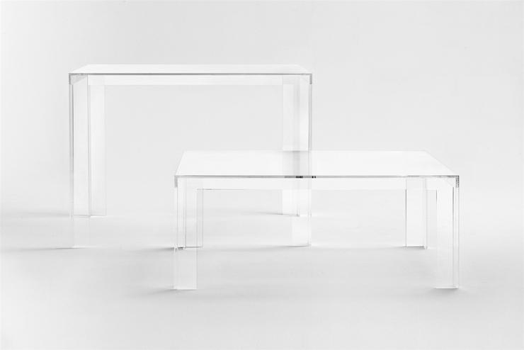 """""""Las monumentales piezas exclusivas """"The Invisibles Collection"""", por Tokujin Yoshioka, se transforman hoy en una colección en serie de artículos más ligeros y ágiles.""""  The Invisibles Collection The"""
