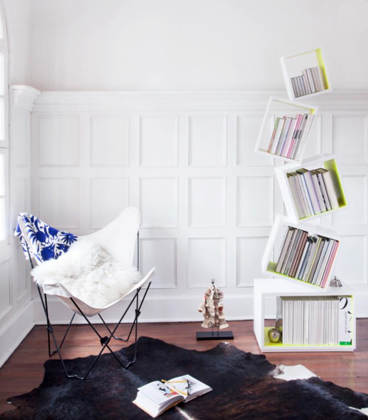 """""""La Biblioteca Equilibrium es una pieza escultórica que demuestra que una biblioteca puede tener dinamismo, lo mismo que encontramos en los libros, y en las historias."""" Biblioteca Equilibrium Equilibriumwhite"""