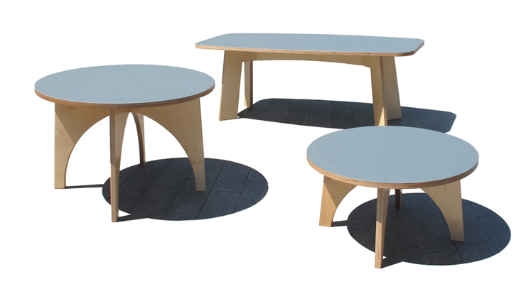 """""""Estas mesas, de madera y sobre con acabado de linóleo, son piezas versátiles y funcionales Se adaptan a cualquier uso dentro de la vivienda.""""  Mesas de Linoleo Foto 110"""