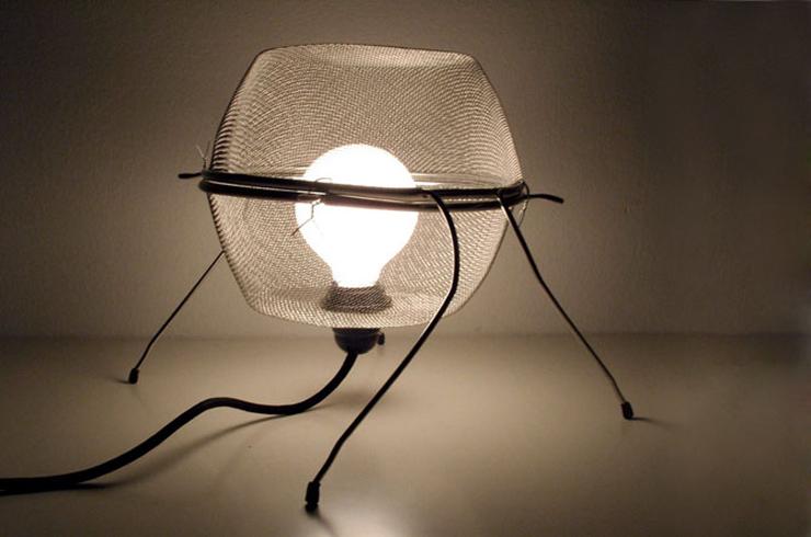 """Lámpara diseñada a partir de dos freidoras.""  Lámpara Fritta Foto 111"