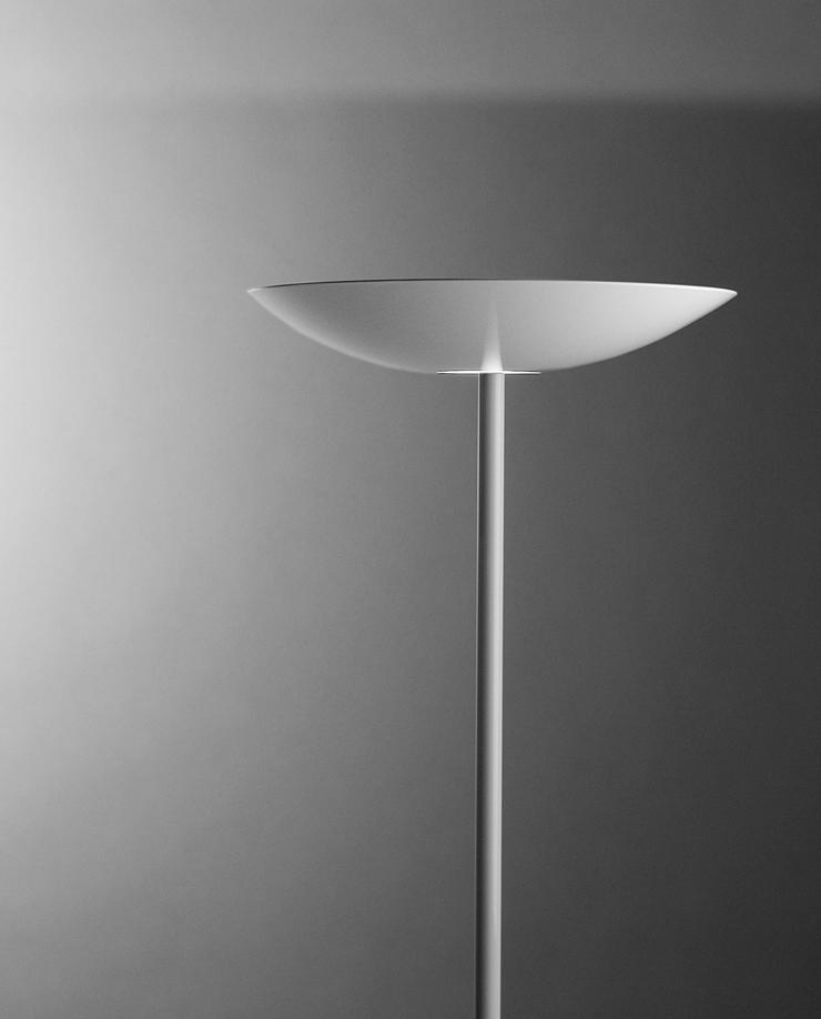 """""""En esta entrada sobre diseño de iluminación decorativa de alta gama, le toca el turno a la lámpara de pie de diseño Flamingo.""""  Lámpara de pie de diseño Flamingo Foto 15"""