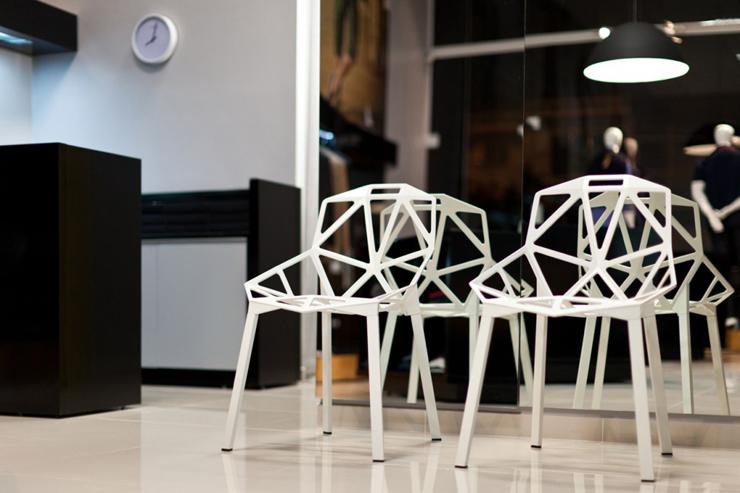 """""""La tienda de ropa Loja Mazzo está dirigida a un público masculino, y ha surgido a partir de todos sus conceptos. Un proyecto al encargo de Studio Buzetti + Arquitetura.""""  Loja Mazzo Foto 4"""