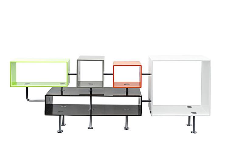 """""""Jean-Baptiste Sibertin-Blanc ha creado una colección en HI-MACS para la muestra: una consola, un espejo y una lámpara de neón.""""   Tres nuevos productos en HI-MACS LOL"""