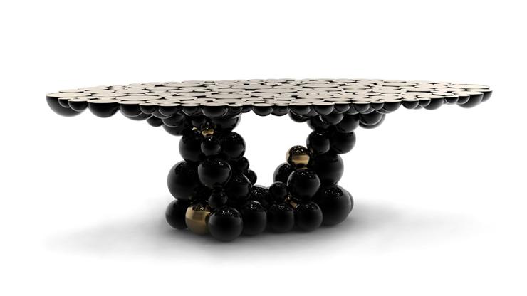 """""""Una mesa de comedor inspirada en la ley de la gravedad de Isaac Newton, compuesta de esferas y semi esferas brillantes unidas unas encima de otras.""""  Newton, Nueva Mesa de Comedor foto 1"""