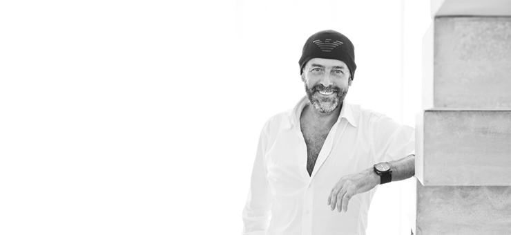 """""""José Antonio Gandía-Blasco Canales nace en Ontinyent, Valencia. Tras cursar estudios de Derecho en la Universidad de Valencia.""""  José A. Gandía-Blasco m josegandiablasco1"""