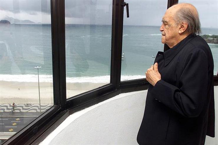 """""""El célebre arquitecto ha fallecido en Río de Janeiro, la ciudad en la que nació el 15 de diciembre de 1907, hace casi 105 años.""""  Murió el arquitecto Oscar Niemeyer Foto 1"""