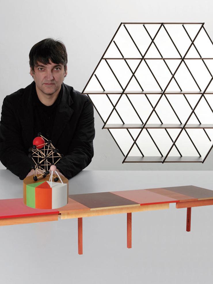 """""""Simple, original y con una visión rupturista, el creativo español Martí Guixé se dedica a solucionar problemas de la vida moderna, dando forma y estilo a los objetos cotidianos.""""  Martí Guixé, la emoción del diseño Foto 15"""