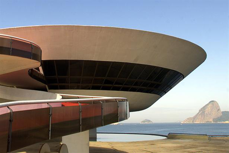 """""""El célebre arquitecto ha fallecido en Río de Janeiro, la ciudad en la que nació el 15 de diciembre de 1907, hace casi 105 años."""" Murió el arquitecto Oscar Niemeyer Foto 2"""