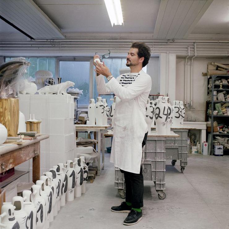 """""""BD pone a la venta una colección limitada de jarrones pintados a mano por Jaime Hayon para celebrar su 40 aniversario."""" La colección Showtime de Jaime Hayón Foto 33"""