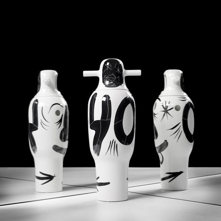"""""""BD pone a la venta una colección limitada de jarrones pintados a mano por Jaime Hayon para celebrar su 40 aniversario."""" La colección Showtime de Jaime Hayón Foto 7"""
