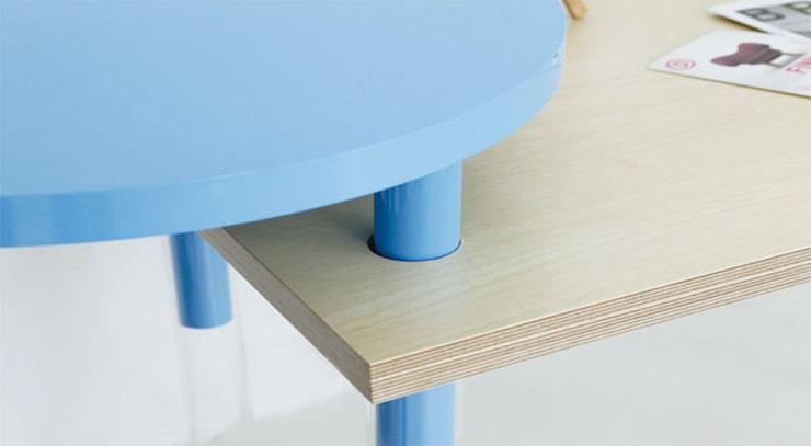 """""""La serie A Intersection B es una obra del diseñador coreano Kim Myung Hyun. Y es una colección de muebles que se pueden encajar de distintas formas, para ser utilizado de manera que se adapte a cada una de las situaciones.""""  A Intersection B, muebles para espacios pequeños ab 101212 06"""