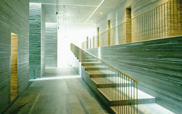"""""""Peter Zumthor recibirá la Medalla de Oro en miércoles 6 de Febrero de 2013 en la ceremonia en el Royal Institute of British Architects en Londres, por su influencia en el avance de la arquitectura.""""  Peter Zumthor, Medalla de Oro de la RIBA 2013 peterals"""