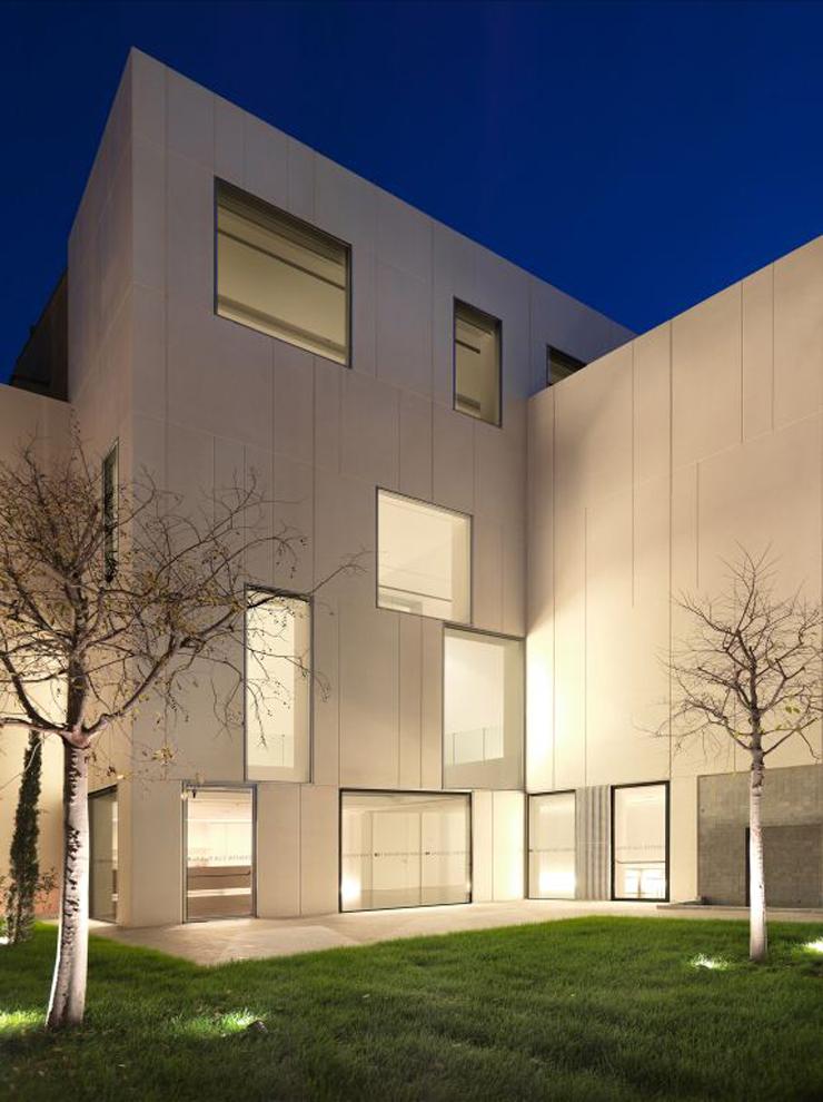 """""""El arquitecto Ramón Esteve, es uno de los más notables representantes de la arquitectura valenciana contemporánea."""" Ramon Esteve Arquitecto Ramon Esteve 04 Centro Cultural Caixa Ontinyent"""
