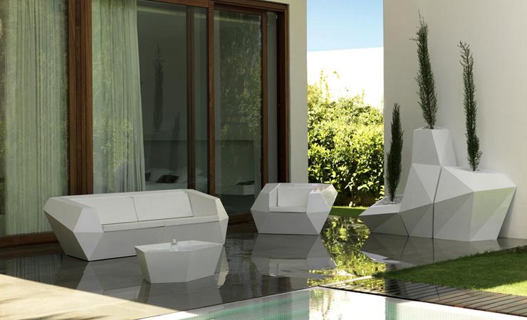 """""""La colección Faz es una colección de sofá modular y maceteros diseñados por el genial arquitecto Ramón Esteve para Vondom."""" La familia Faz La familia Faz de Vondom Faz 3"""