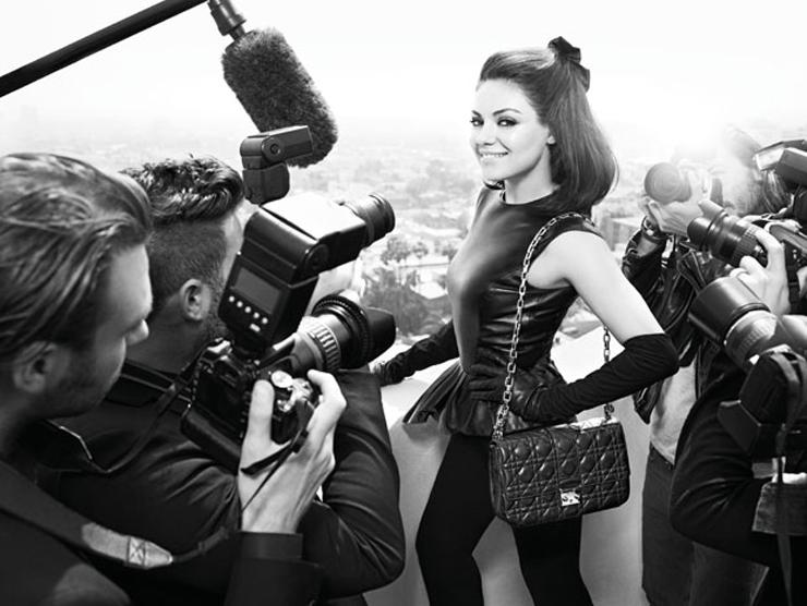 """""""La actriz es la nueva imagen de la firma de moda, que acaba de lanzar los visuales de su campaña de primavera/verano 2012.""""  Mila Kunis para Dior Foto 3"""