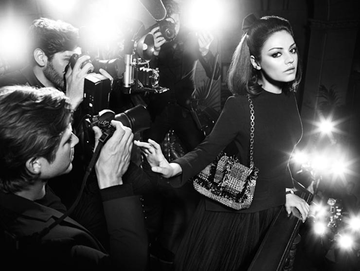 """""""La actriz es la nueva imagen de la firma de moda, que acaba de lanzar los visuales de su campaña de primavera/verano 2012.""""  Mila Kunis para Dior Foto 6"""