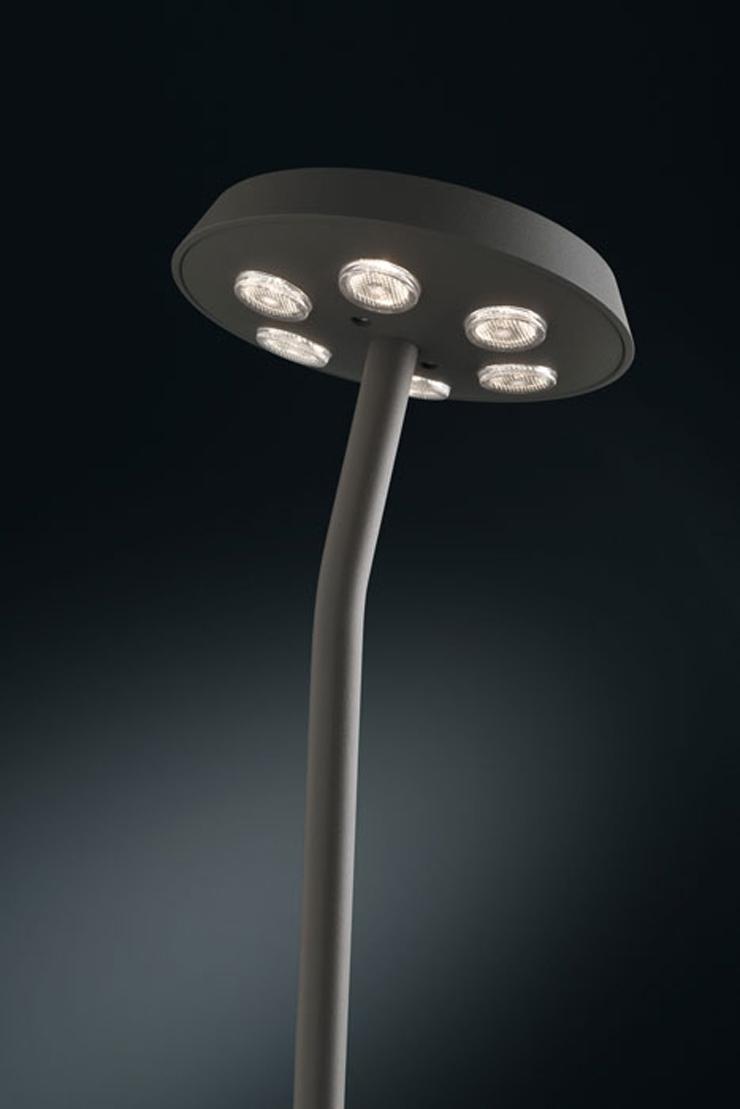 """""""La Tournesol es un nuevo accesorio de iluminación sorprendente de Delta Light.""""  Tournesol de Delta Light tourne 66"""