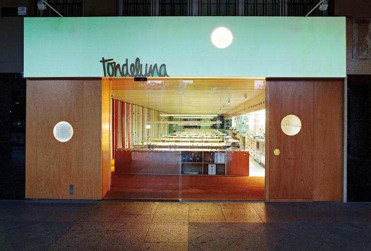 """""""El divertido local del cocinero Francis Paniego consigue el más prestigioso galardón del mundo de la Arquitectura y la decoración.""""  Restaurante Tondeluna 197601"""