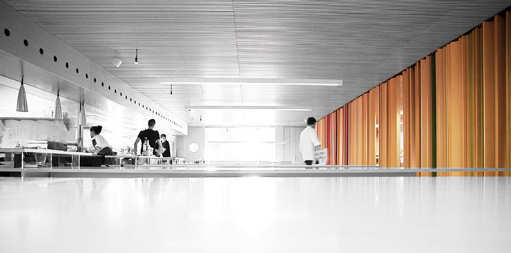 """""""El divertido local del cocinero Francis Paniego consigue el más prestigioso galardón del mundo de la Arquitectura y la decoración.""""  Restaurante Tondeluna 197603"""