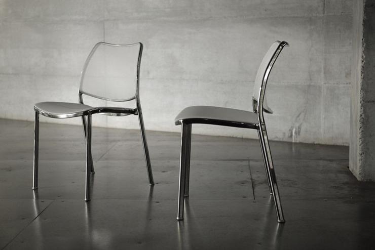 """Jesús Gasca rediseña el modelo incorporando una base giratoria.""  Stua reinterpreta su silla Gas silla apilable moderna 11212 2251291"