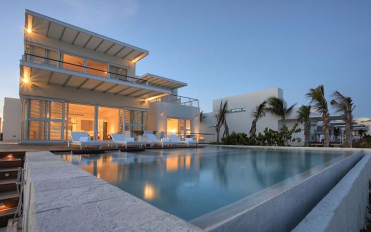 """""""El Mandarin Oriental Riviera Maya se distingue por sus habitaciones con diseño elegante y su excelente servicio.""""  Mandarin Oriental Riviera Maya MandarinOrientalRivieraMayaResort1"""