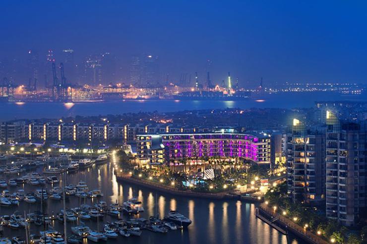 """""""La firma belga de muebles de exterior Royal Botania ha sido la elegida por el Hotel W Singapore – Sentosa Cave para la decoración de sus exteriores."""" El gran hotel W Singapore W Singapore cnt 20sept12 pr 646x430"""