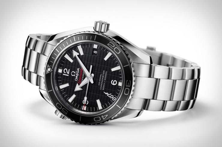 """""""Skyfall, la nueva película de James Bond; El reloj creado por OMEGA para celebrar su séptima actuación en una película Bond."""" Seamaster Planet Ocean 600M Skyfall omega seamaster skyfall"""