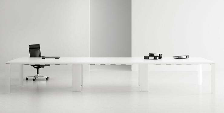 """""""AGV Estudio está especializado en desarrollar proyectos integrales de diseño industrial, centrados fundamentalmente en los espacios de trabajo y en el mobiliario urbano""""  AGV Estudio aitor 3"""