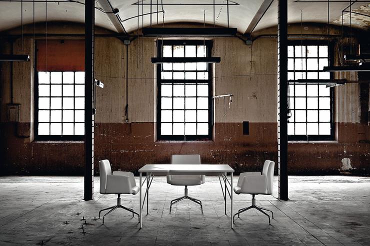 """""""Aplomb es mobiliario direccional de alta gama, combina formas y materiales que crean ambientes relajados y de diseño.""""  Ambiente direccional Aplomb arlex 2"""