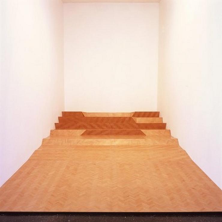 """""""La Galería Workplace es una galería de arte contemporáneo a cargo de los artistas Paul Moss y Miles Thurlow y está ubicada en Gateshead, Reino Unido""""  La Galería Workplace Peter J"""
