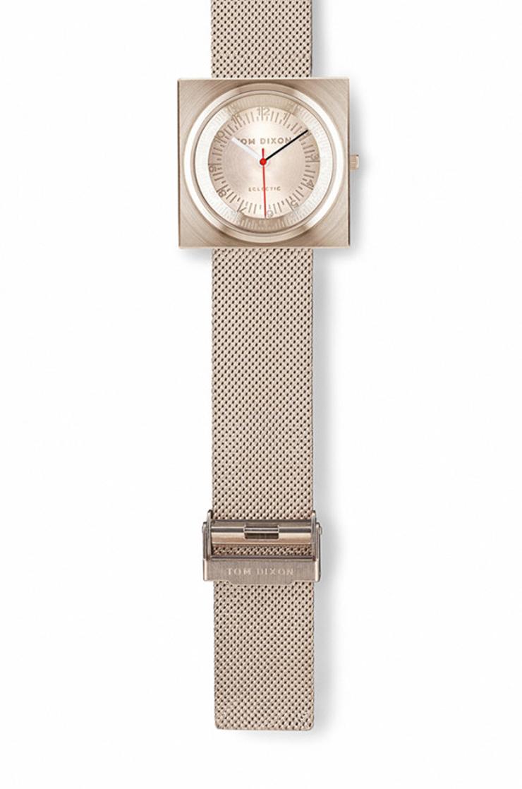 """""""En el año 2012, el diseñador industrial Tom Dixon lanzó una gama de accesorios para el hogar llamado Eclectic de Tom Dixon.""""  Reloj Block para Eclectic de Tom Dixon Reloj Block para Eclectic Tom Dixon 2"""