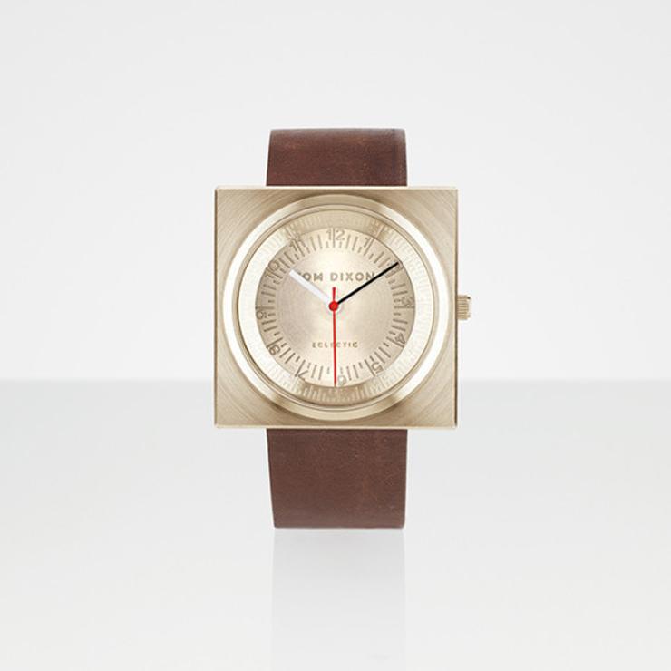 """""""En el año 2012, el diseñador industrial Tom Dixon lanzó una gama de accesorios para el hogar llamado Eclectic de Tom Dixon.""""  Reloj Block para Eclectic de Tom Dixon Reloj Block para Eclectic Tom Dixon 4"""