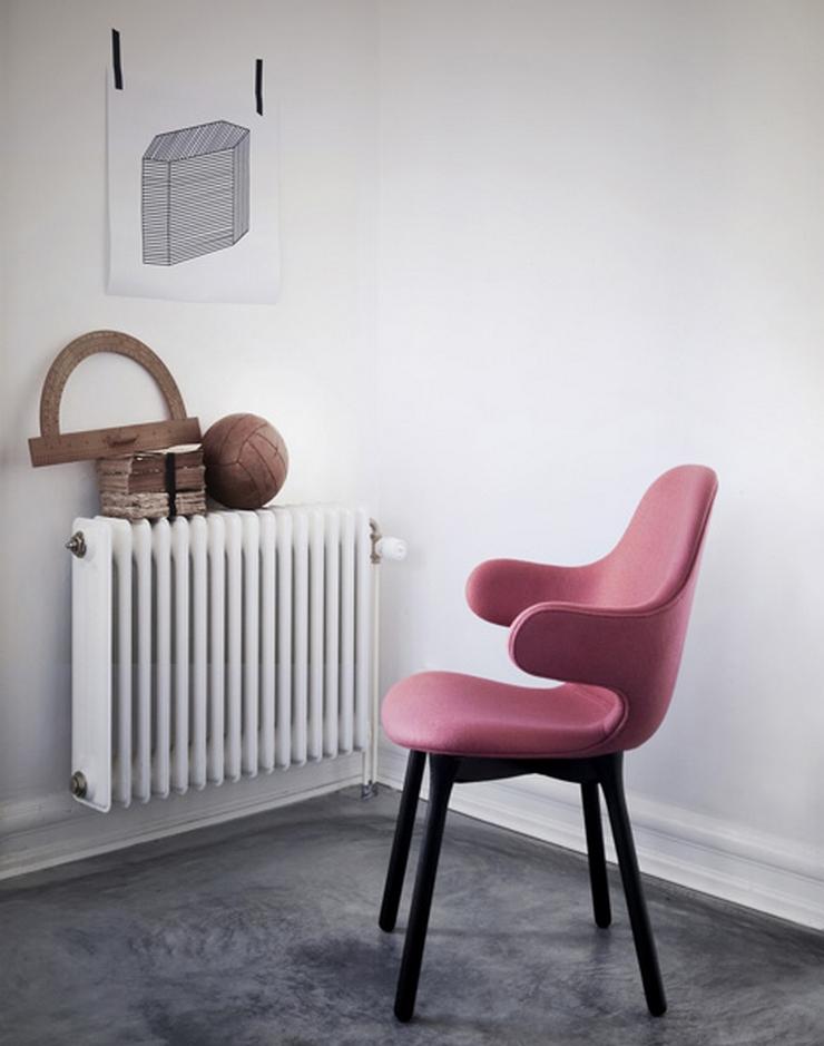 """""""El diseñador español Jaime Hayón ha creado para la marca danesa &tradition una silla con brazos que se extienden desde el alto respaldo como una invitación a sentarse"""" La Silla Catch de Jaime Hayón Silla catch 2"""